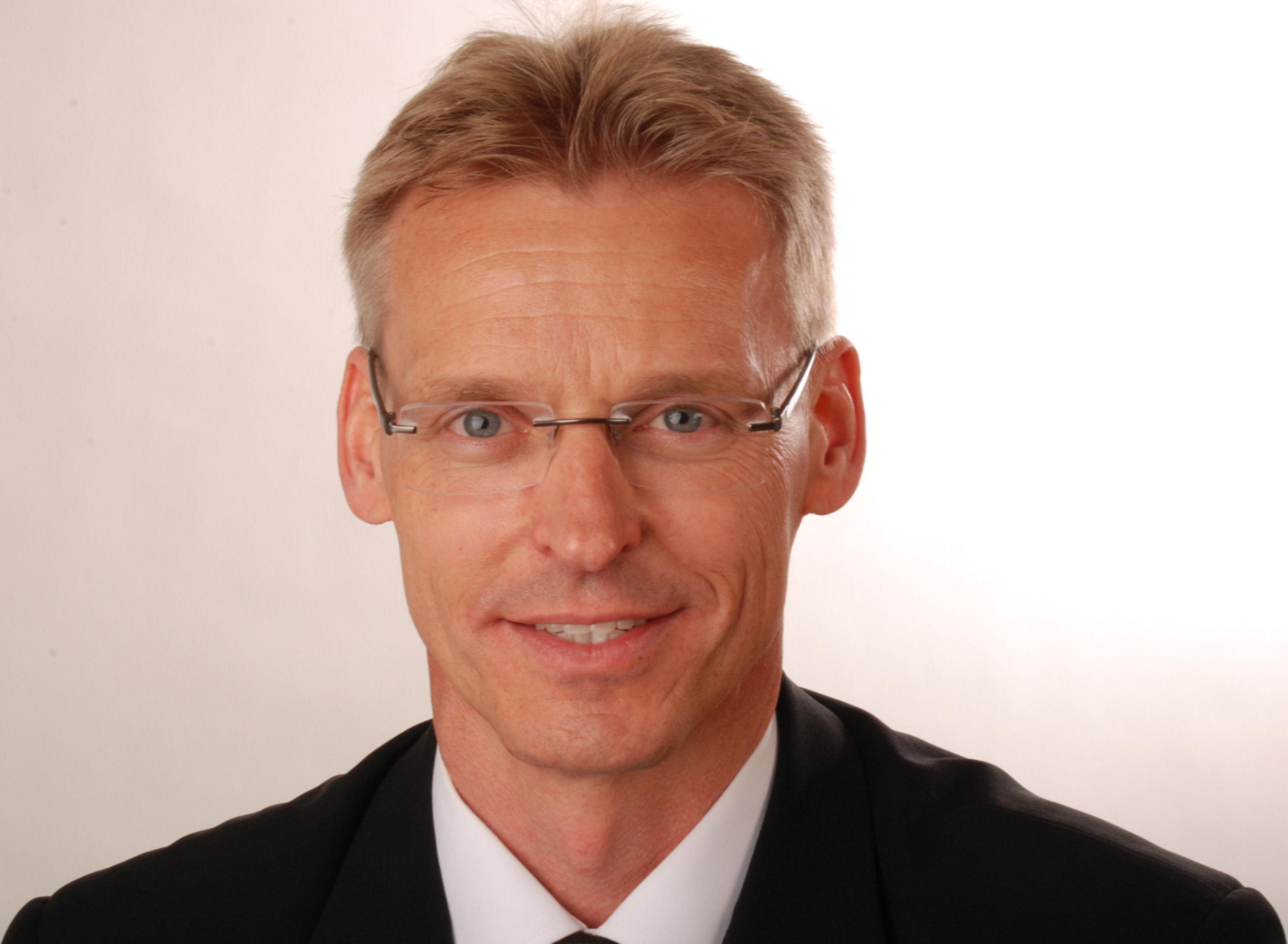 Dr. Martin Schindler